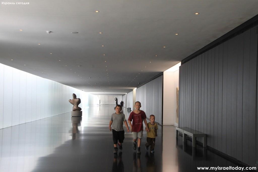 посетители музея Израиля