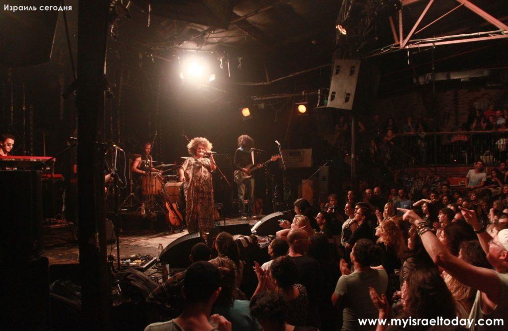 Концерт Каролины в Барби